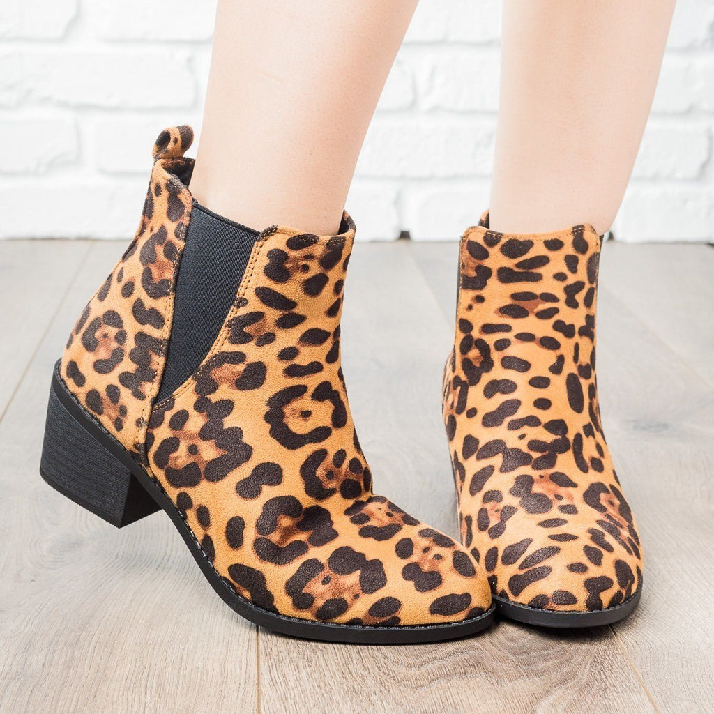 Womens Perfect Stacked Heel Bootie - Forever - Leopard / 5