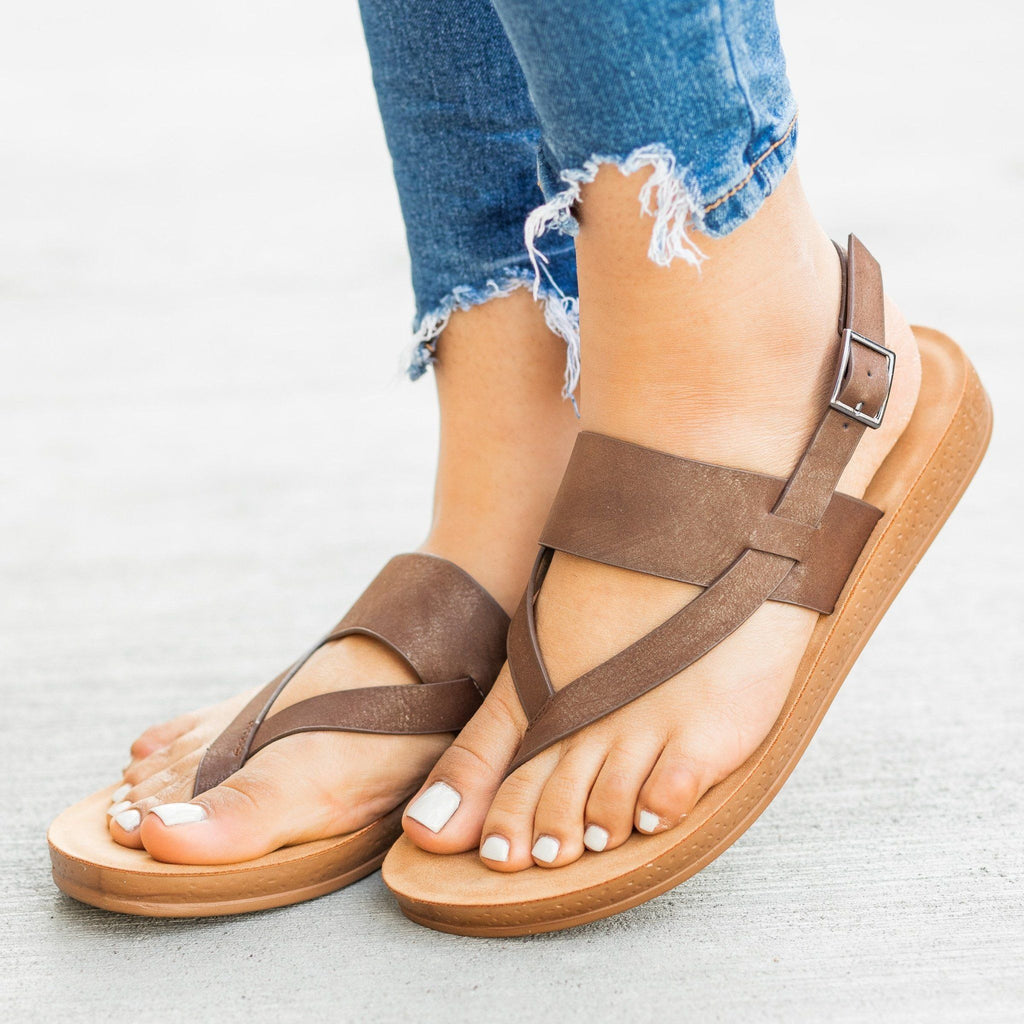 Womens Perfect Thong-Toed Fashion Sandals - Forever