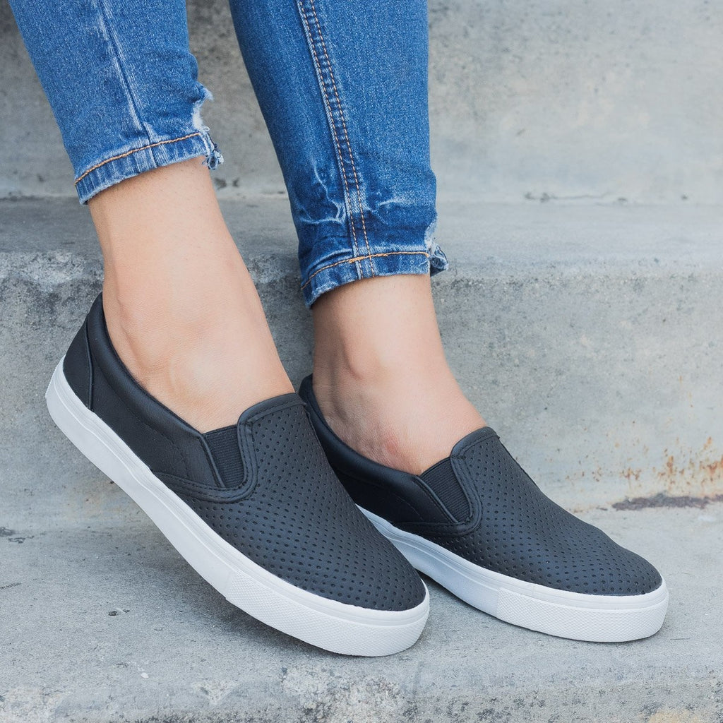 Womens Pinhole Slip-On Summer Sneakers - Soda Shoes - Black / 5