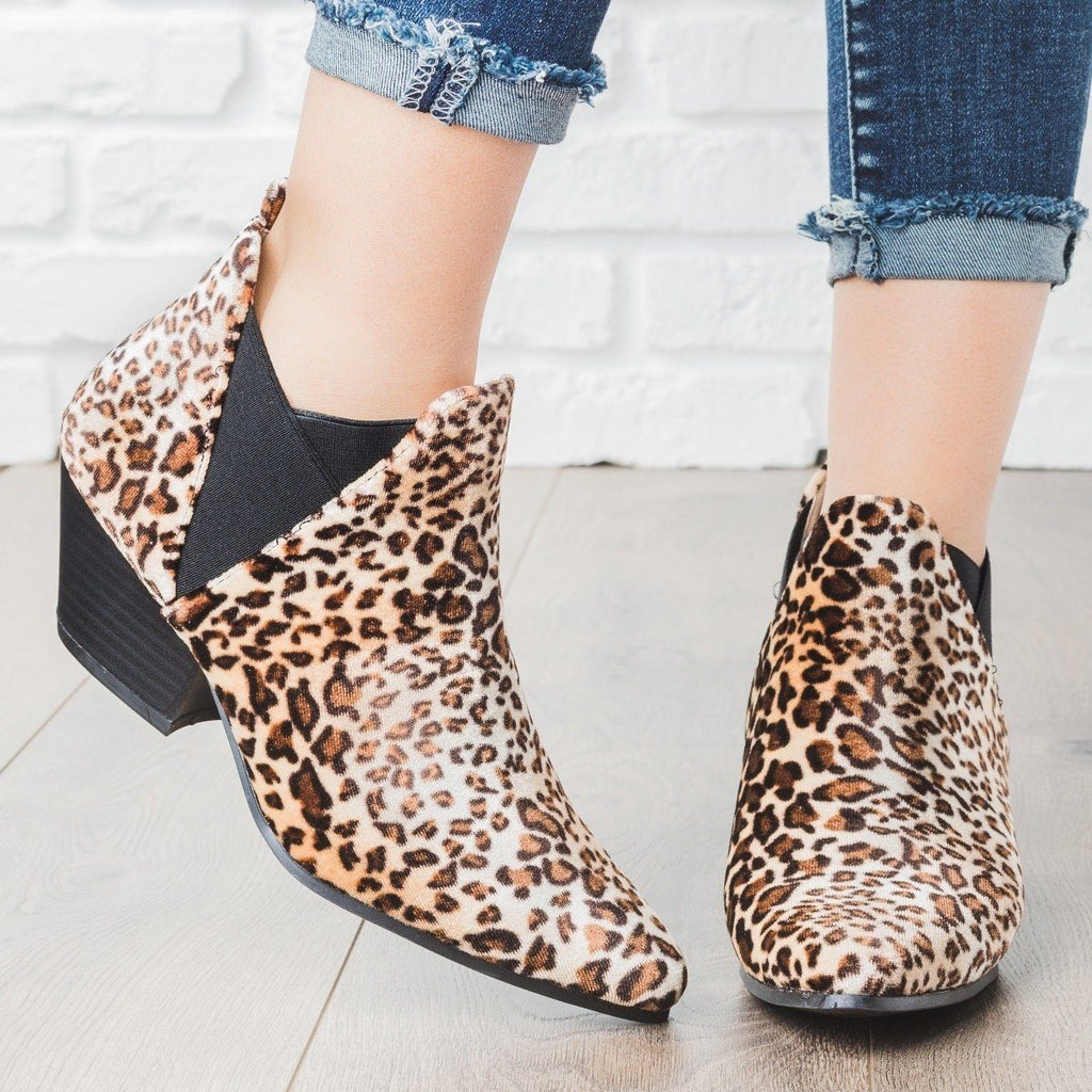 Womens Pointed Toe Faux Suede Booties - Qupid Shoes - Leopard / 5