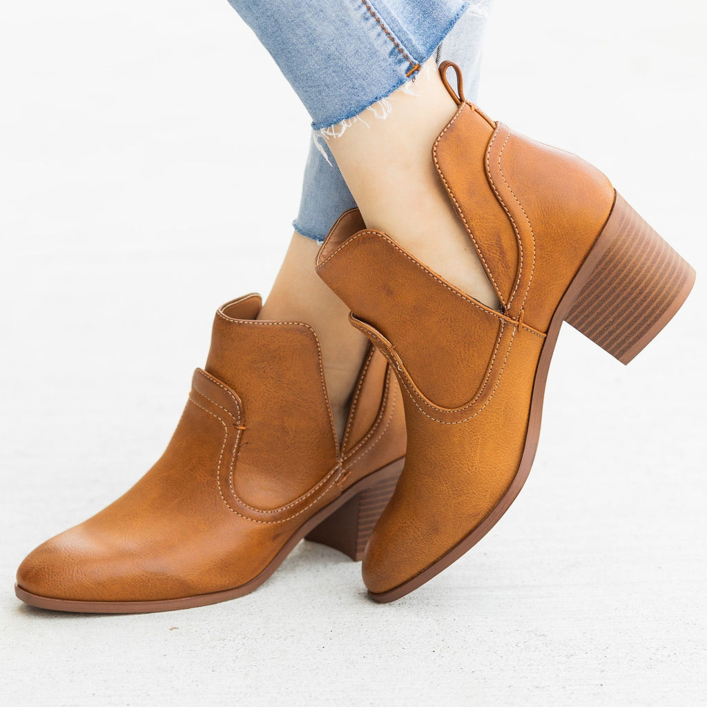 Womens Posh Burnished Toe Western Booties - Qupid Shoes