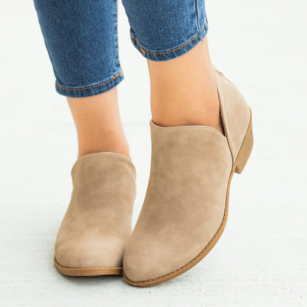 Womens Posh V-Cut Ankle Booties - Top Moda - Khaki / 5