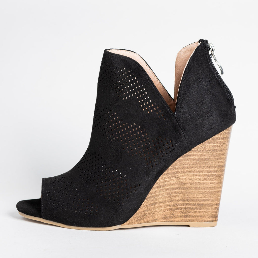 Womens Sassy Laser-Cut Open-Toe Wedges - Yoki - Black / 5