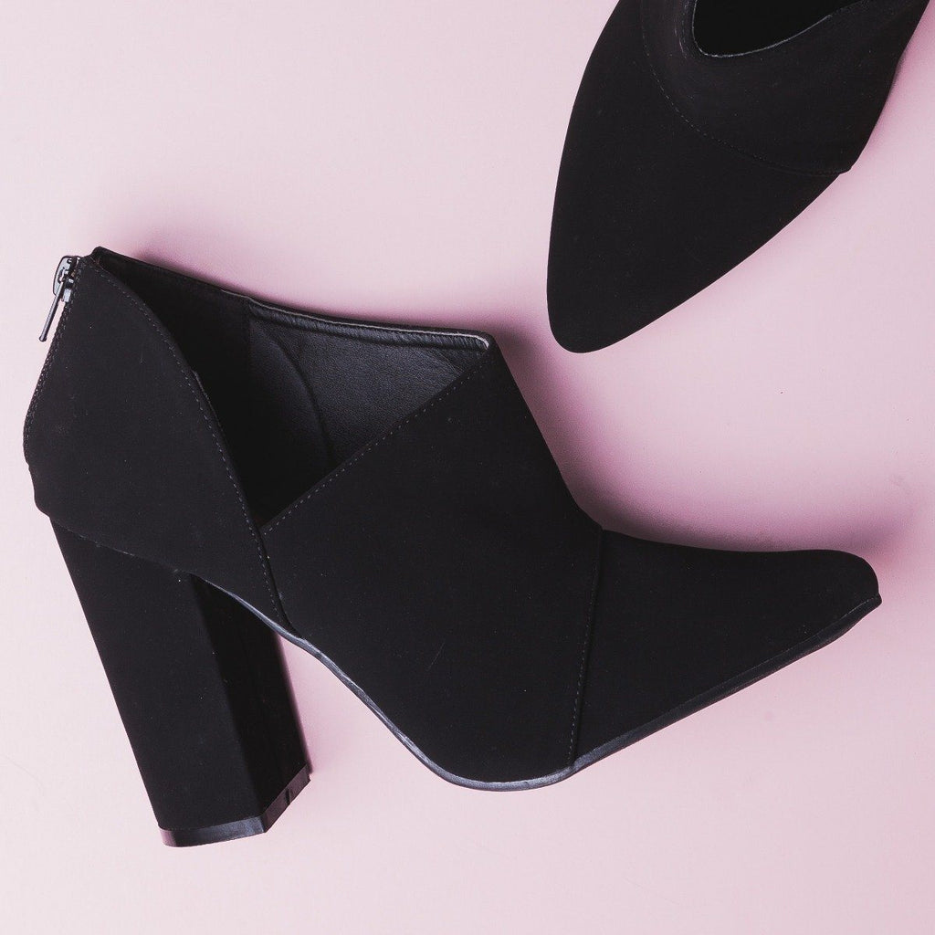 Womens Sassy Pointed Toe Booties - Fahrenheit - Black / 5