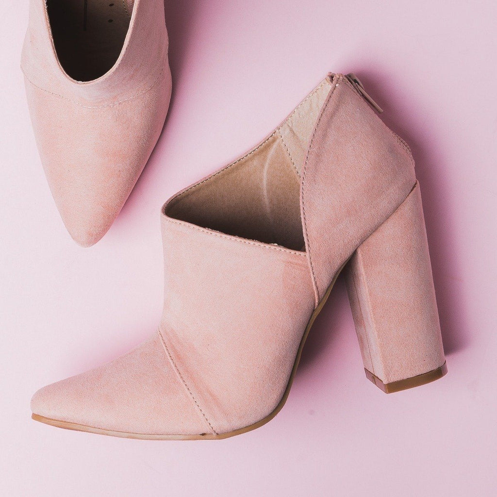 Womens Sassy Pointed Toe Booties - Fahrenheit - Nude / 5