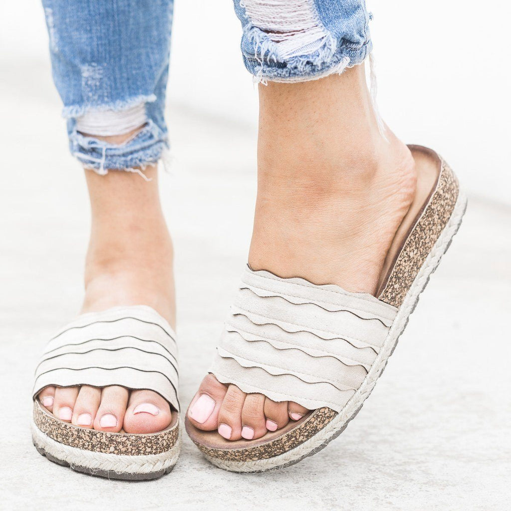 Womens Scalloped Espadrille Cork Slides - Nature Breeze - Sand / 5