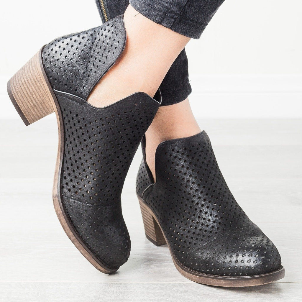 Womens Side Cut-Out Pinhole Booties - Mata