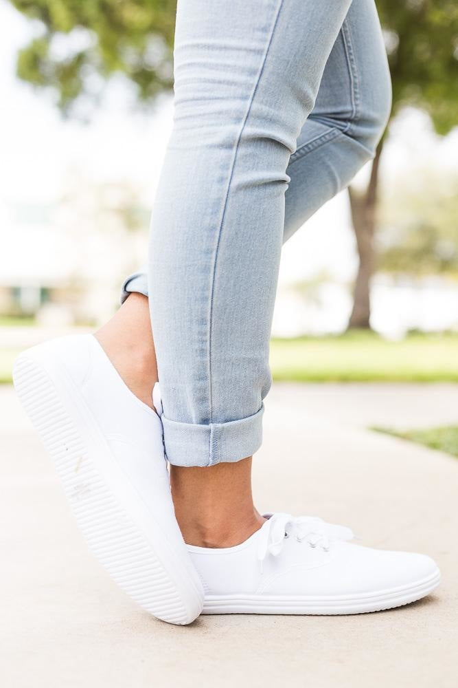 Women's Simple Everyday Sneaker - Bamboo
