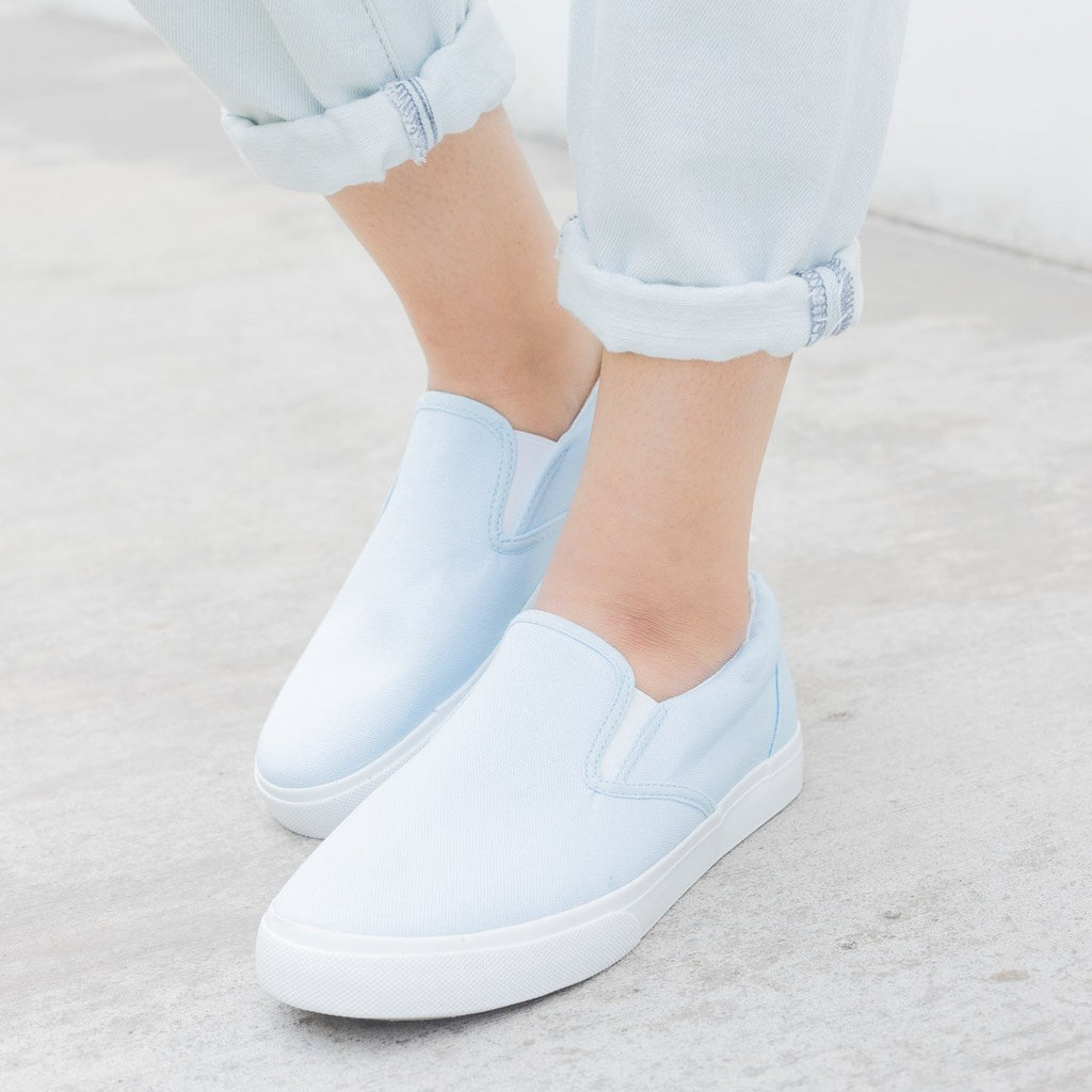 Women's Simple Slip on Sneaker - Nature Breeze - Light Blue / 5