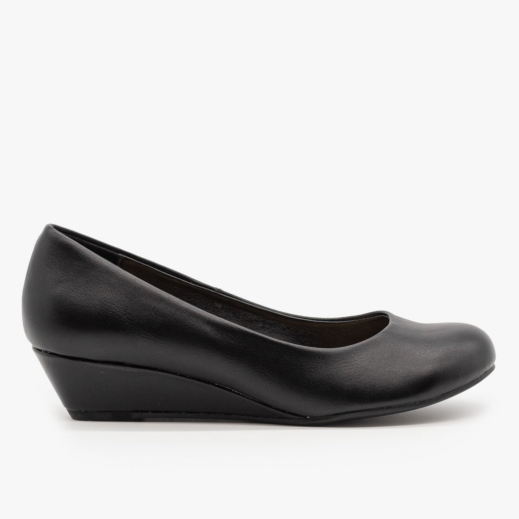 Womens Simple Wedge Pumps - City Classified Shoes - Black / 5