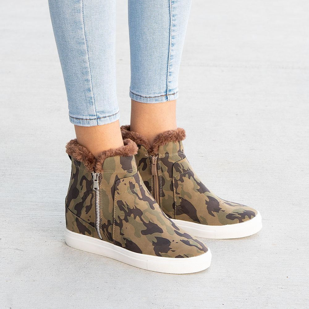 Women's Smooth Wedged Sneakers - Forever - Camouflage / 5