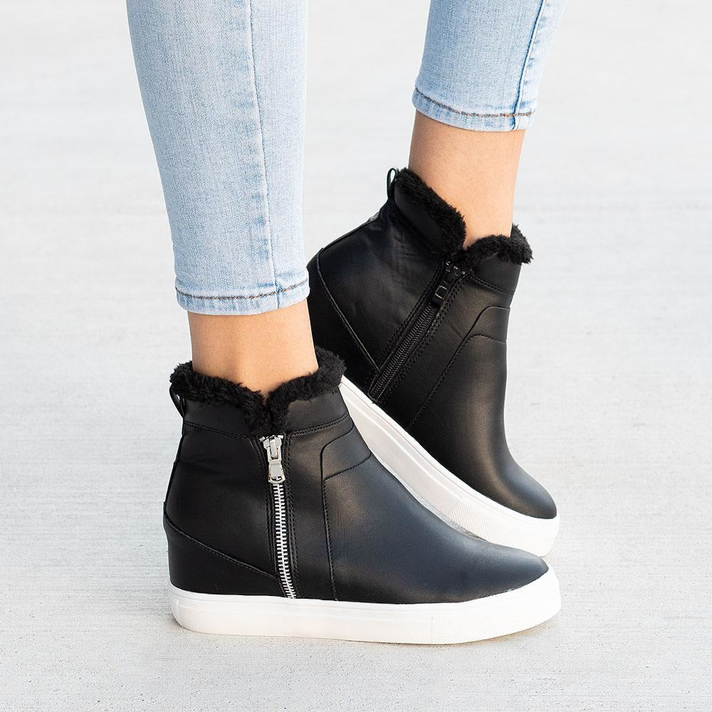 Women's Smooth Wedged Sneakers - Forever - Black / 5