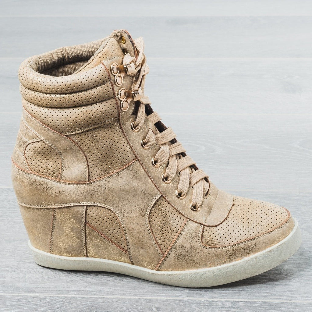 Womens Sporty Metallic Sneaker Wedges - Refresh - Champagne / 5