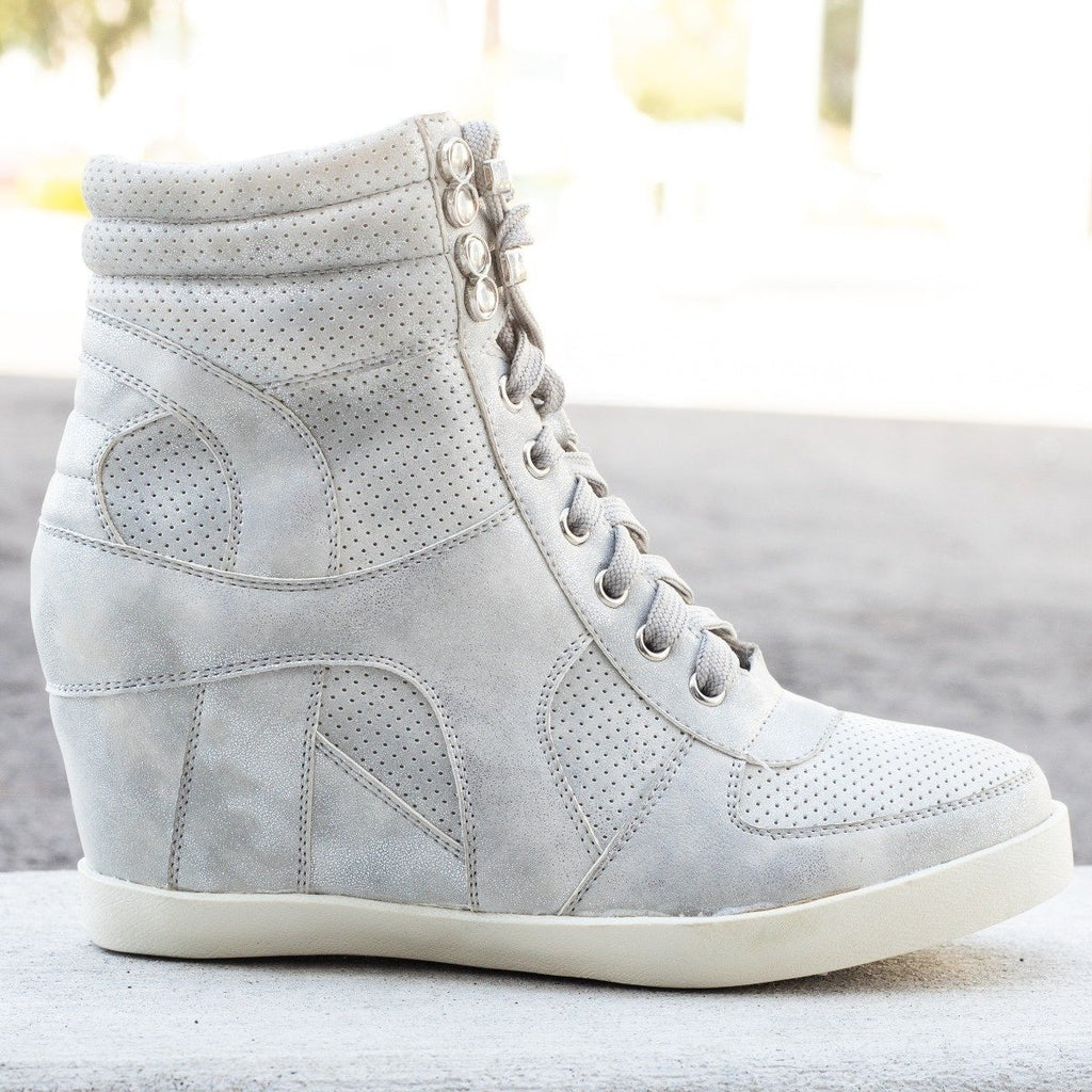 Womens Sporty Metallic Sneaker Wedges - Refresh - Silver / 10