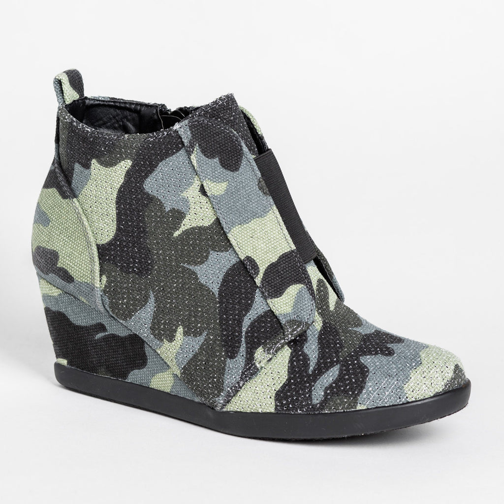 Womens Sporty Pinhole Bootie Wedges - Forever - Camouflage / 5
