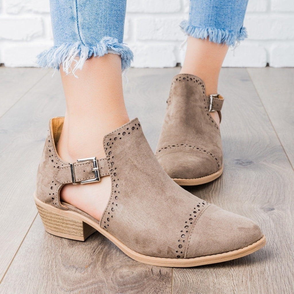 Womens Sprinkle Edged Ankle Booties - Qupid Shoes - Taupe / 5