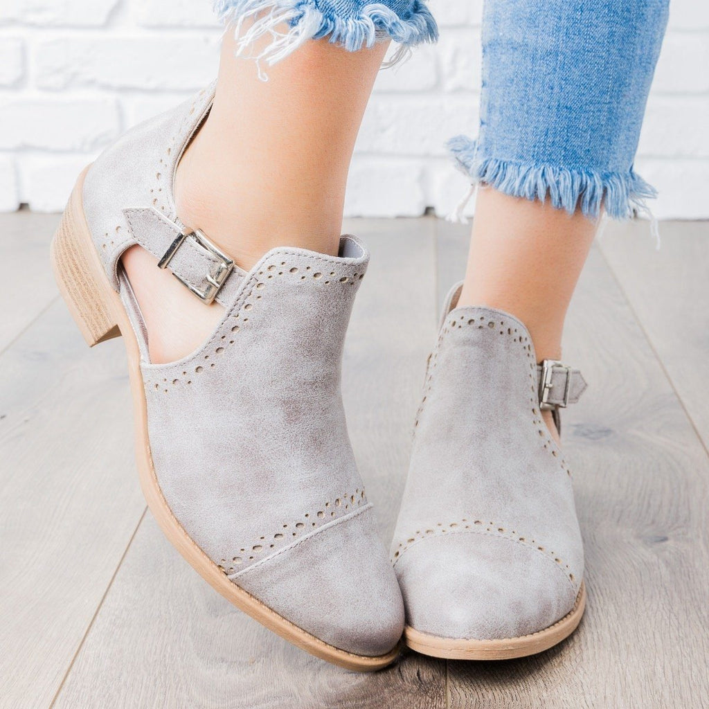 Womens Sprinkle Edged Ankle Booties - Qupid Shoes - Light Gray / 5