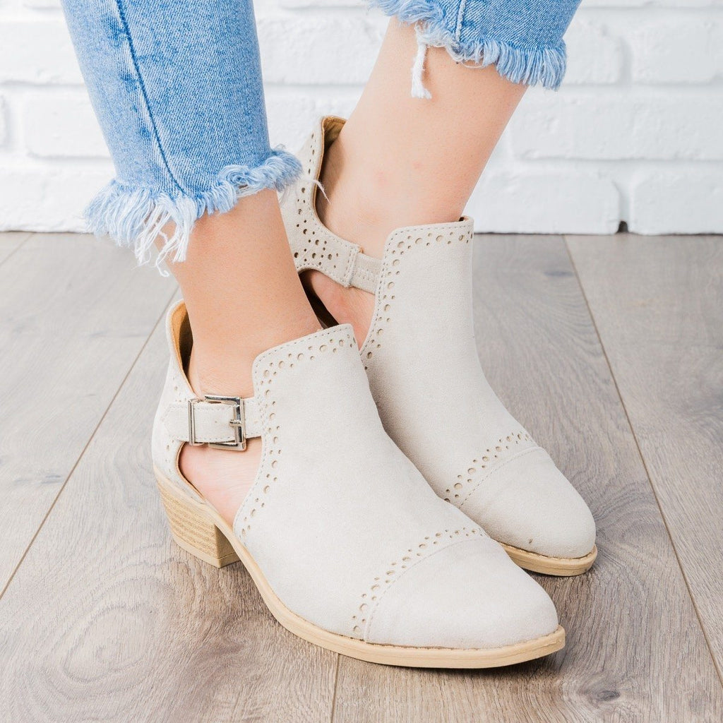 Womens Sprinkle Edged Ankle Booties - Qupid Shoes - Oatmeal / 5