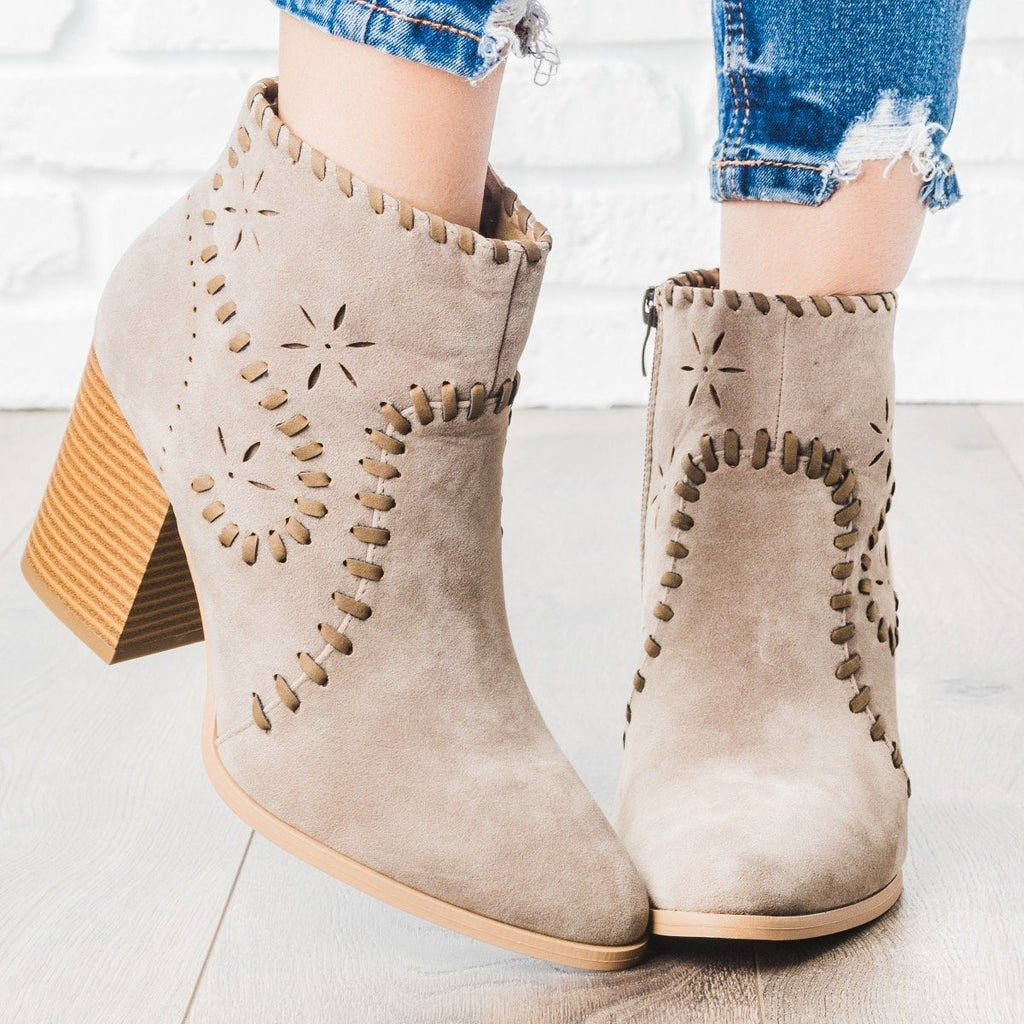 Womens Starry Stitched Heel Booties - ARider Girl - Bone / 5