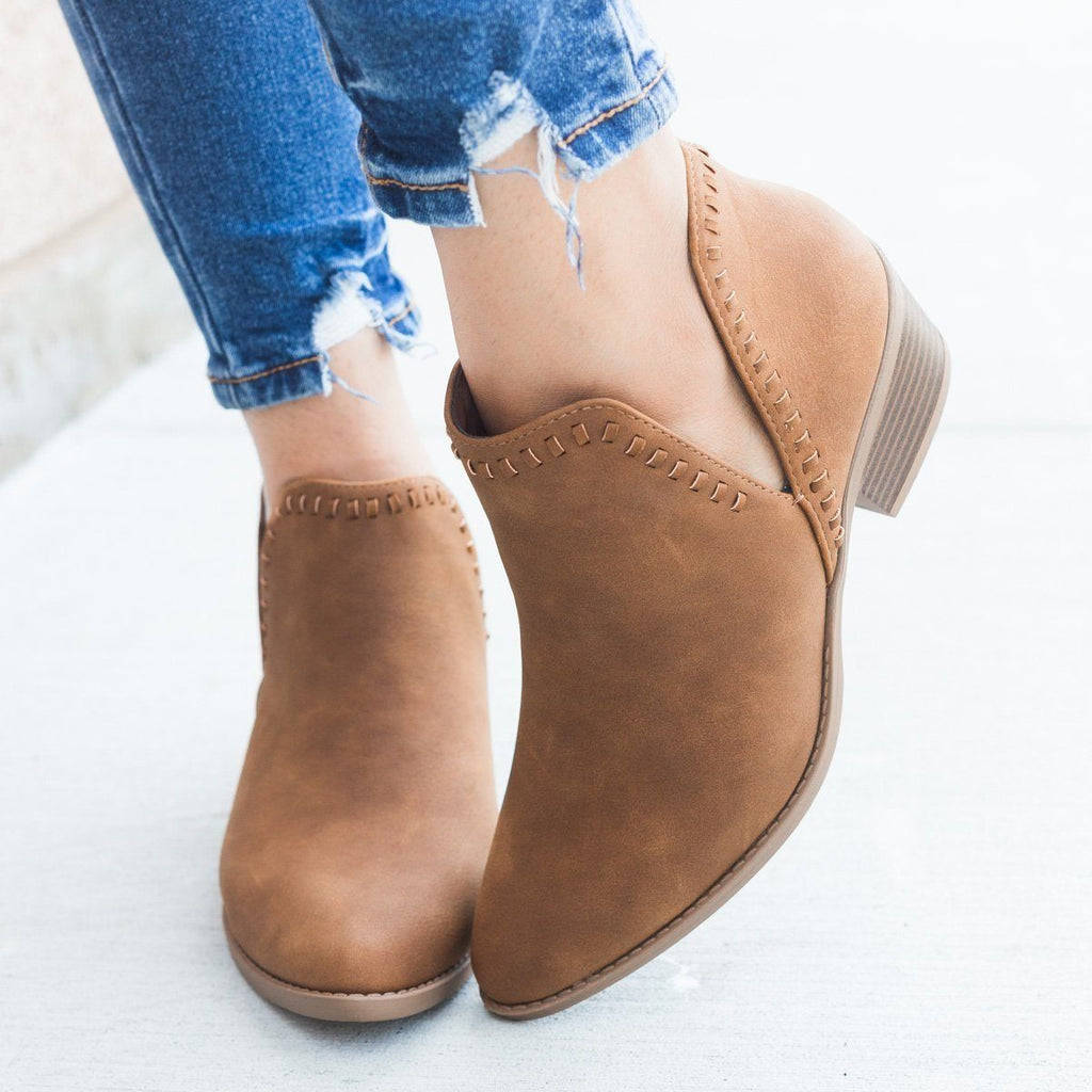 Womens Stitched Ankle Cut Bootie - Soda Shoes - Tan / 5
