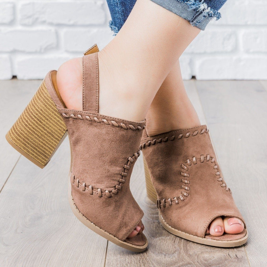 Womens Stitched Chunky Heel Mules - Qupid Shoes - Nutmeg / 5