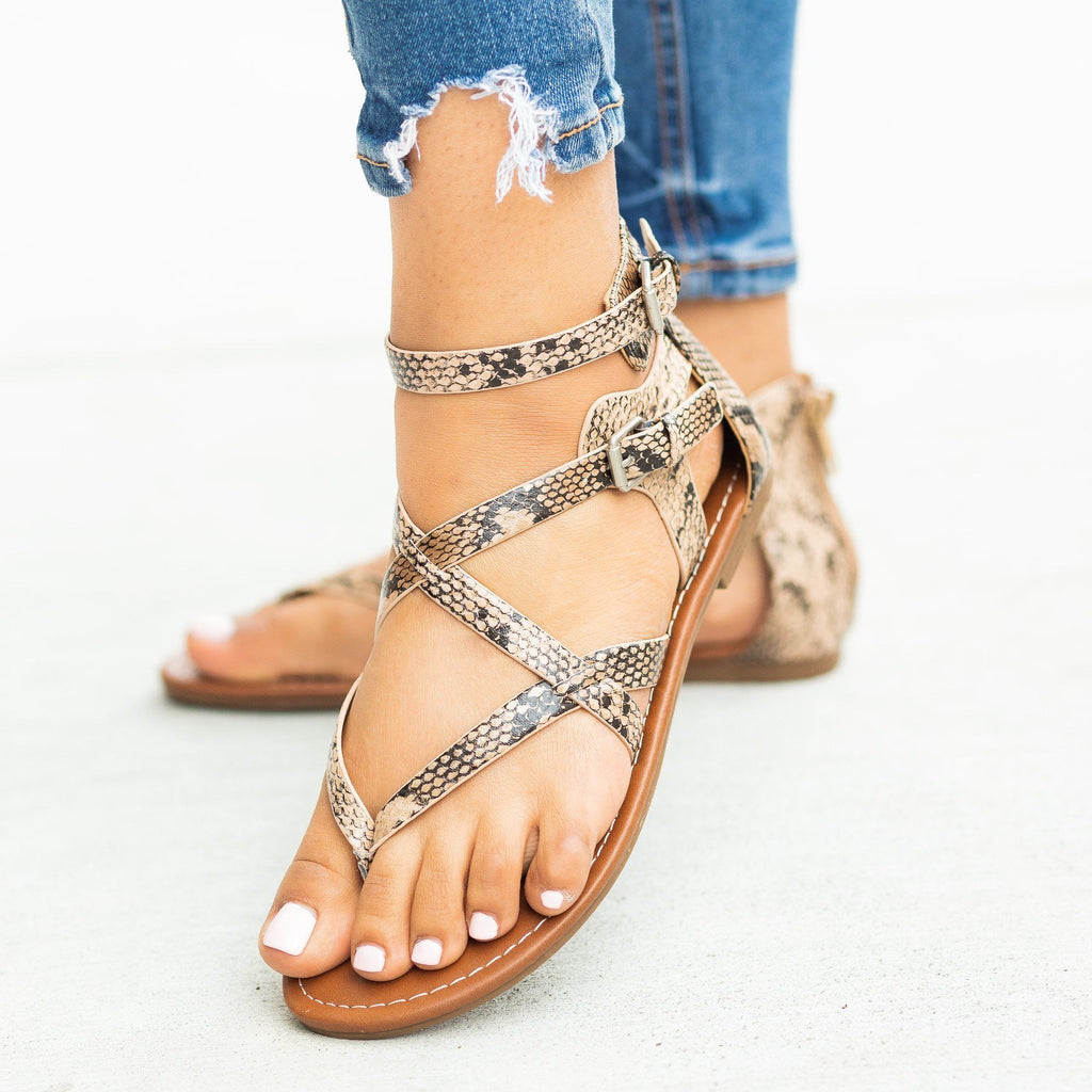 Womens Strappy Criss Cross Gladiator-Style Sandals - Soda Shoes - Natural Python / 5