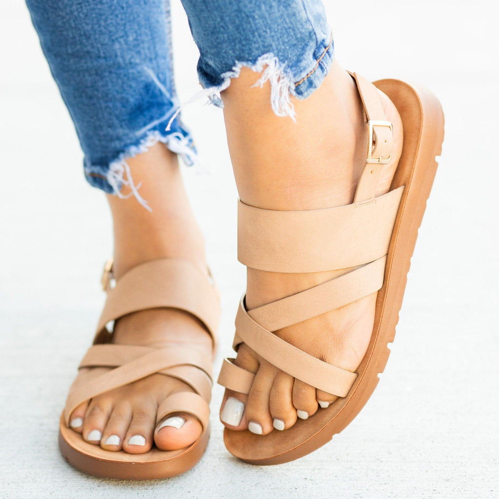 Womens Strappy Toe-Hold Sandals - Forever - Taupe / 5