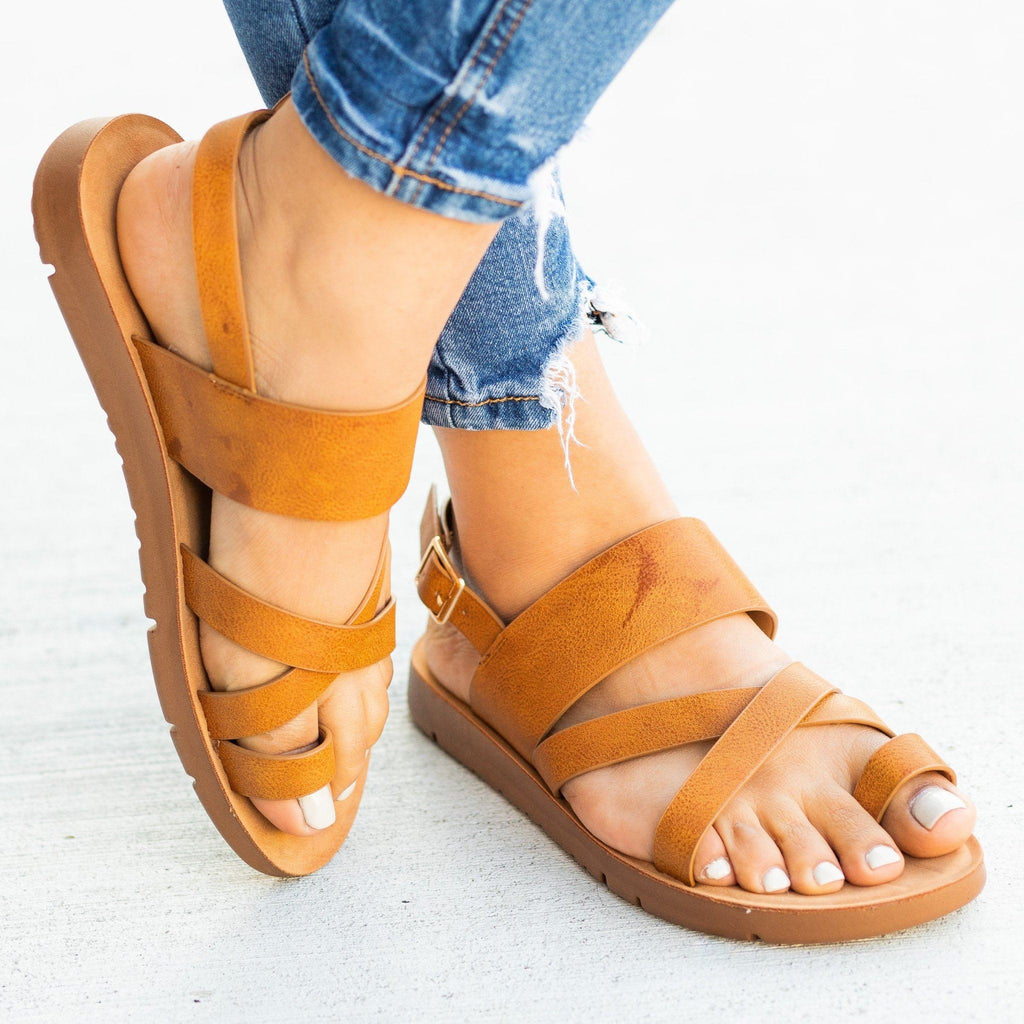 Womens Strappy Toe-Hold Sandals - Forever - Tan / 5