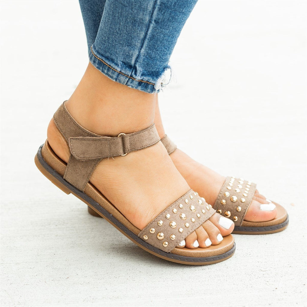 Womens Studded Everyday Fashion Sandals - Montecucco - Beige / 5