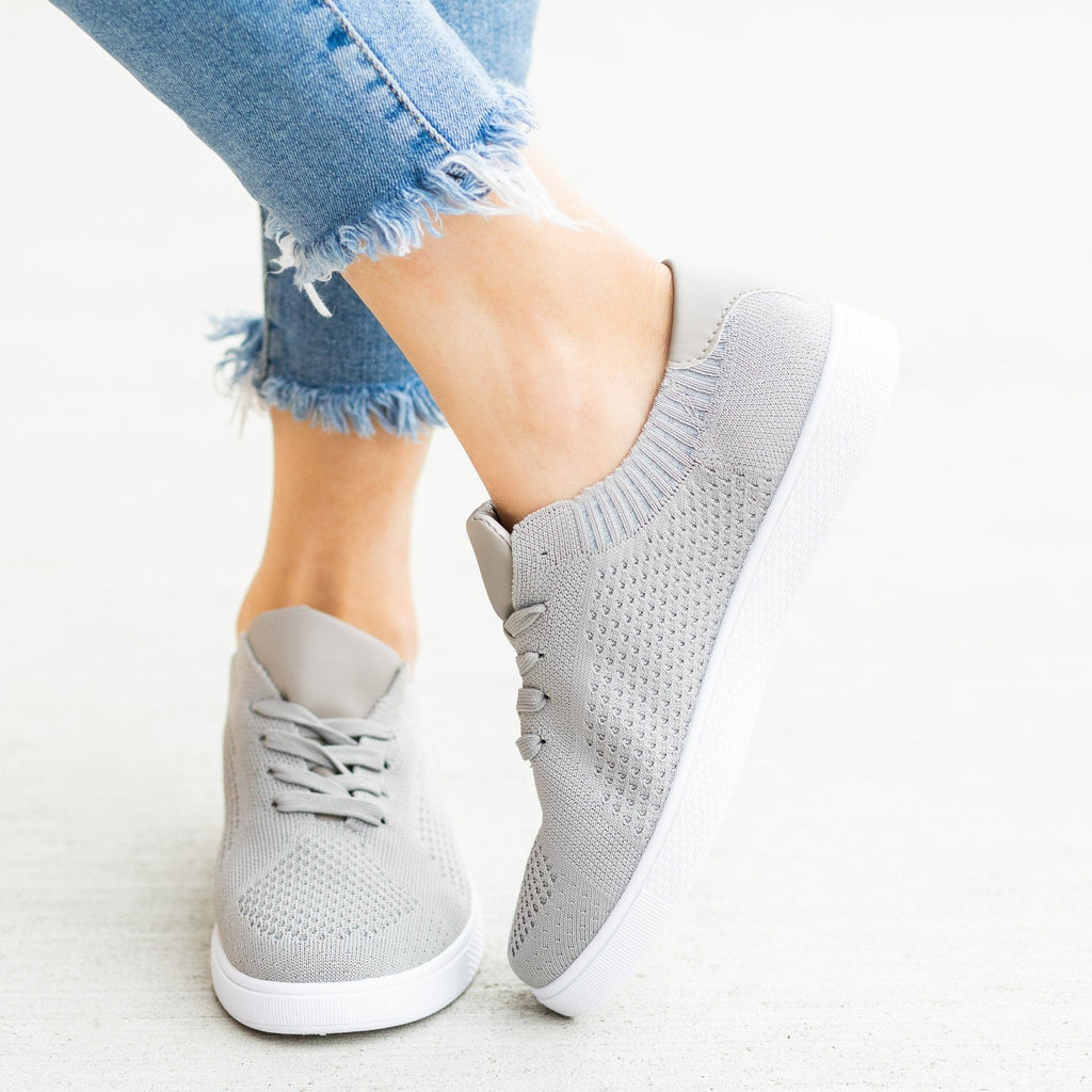 Womens Stylish Pinhole Sneakers - Refresh - Gray / 5