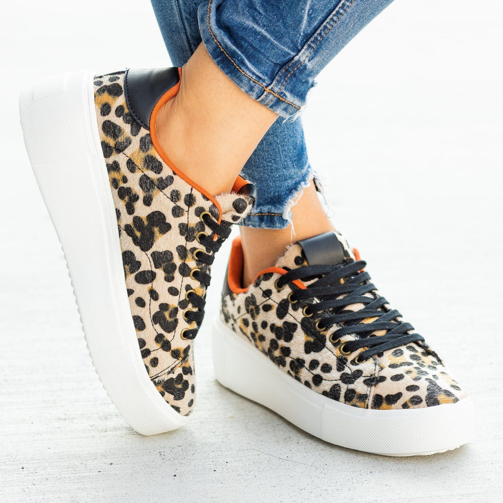 Womens Trendy Animal Print Platform Sneakers - Qupid Shoes - Camel Black Leopard / 5