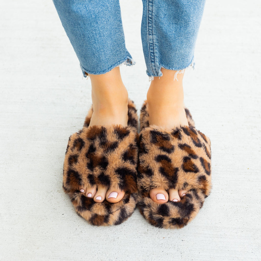Women's Trendy Leopard Faux Fur Slides - Forever