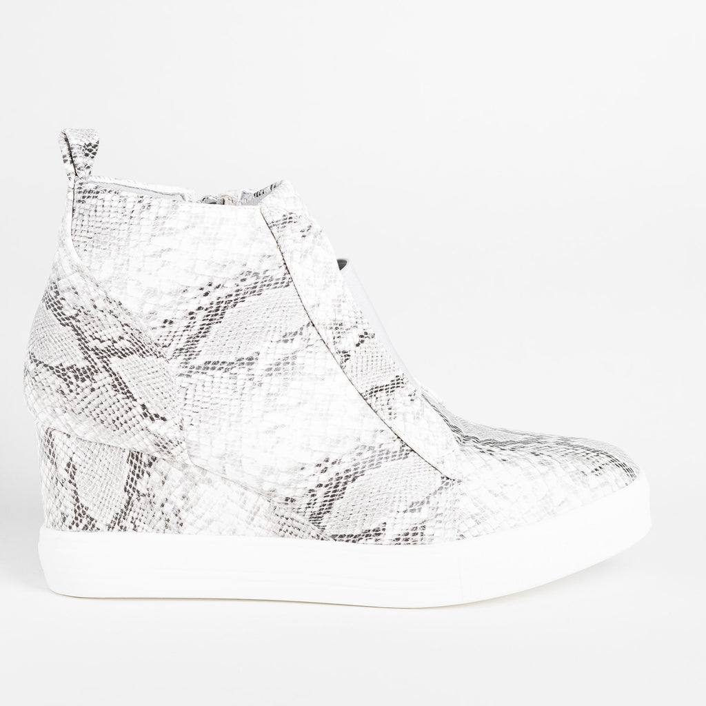 Womens Trendy Pinhole Sneaker Wedges - CCOCCI - Snake / 5