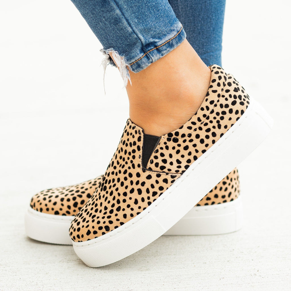Womens Trendy Printed Platform Slip-On Sneakers - Qupid Shoes - Tan Black Leopard / 5