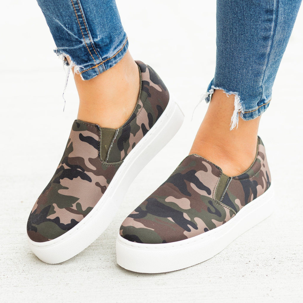 Womens Trendy Printed Platform Slip-On Sneakers - Qupid Shoes - Camouflage / 5