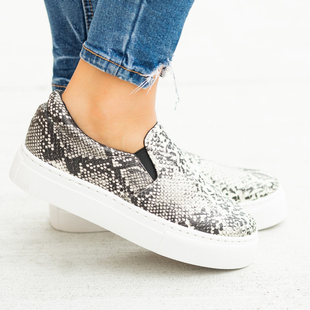 Womens Trendy Printed Platform Slip-On Sneakers - Qupid Shoes - Stone Black Snake / 5