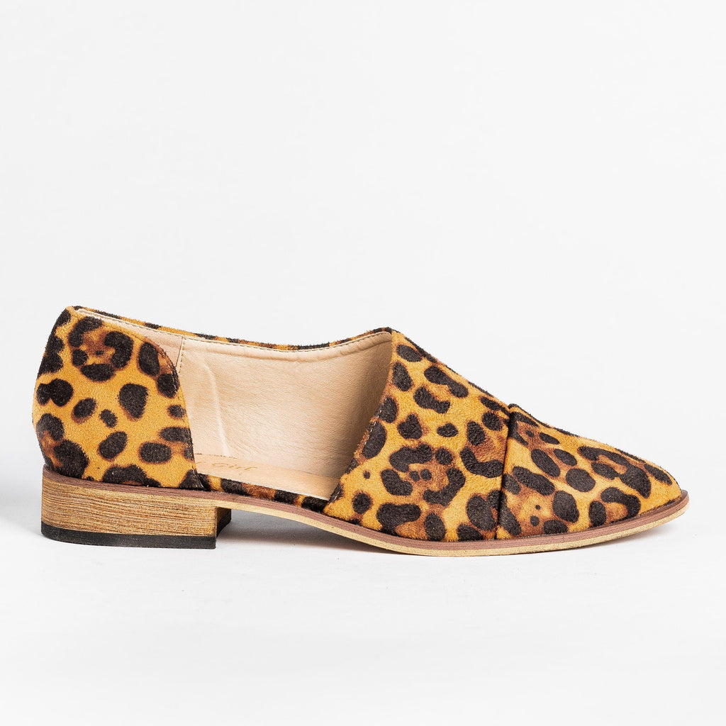 Womens Trendy Side Cut Out Flats - ARider Girl - Leopard Camel / 5