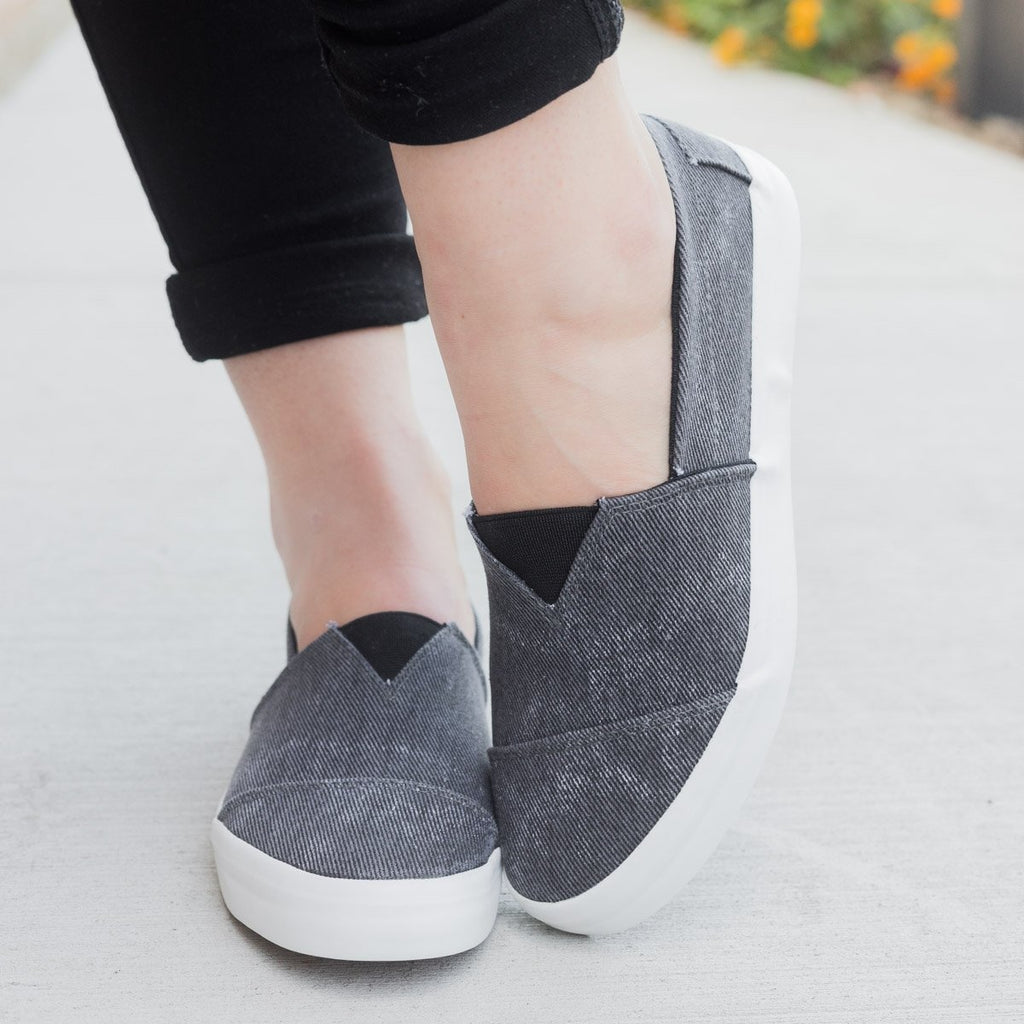 Womens Trendy Slip-on Fashion Sneakers - Unbranded/Generic - Black / 11