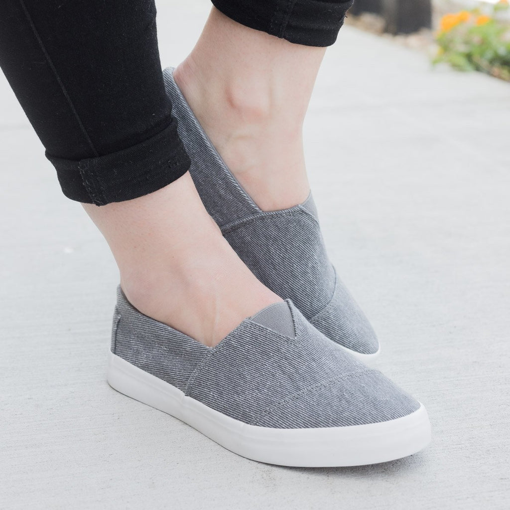 Womens Trendy Slip-on Fashion Sneakers - Unbranded/Generic - Grey / 5