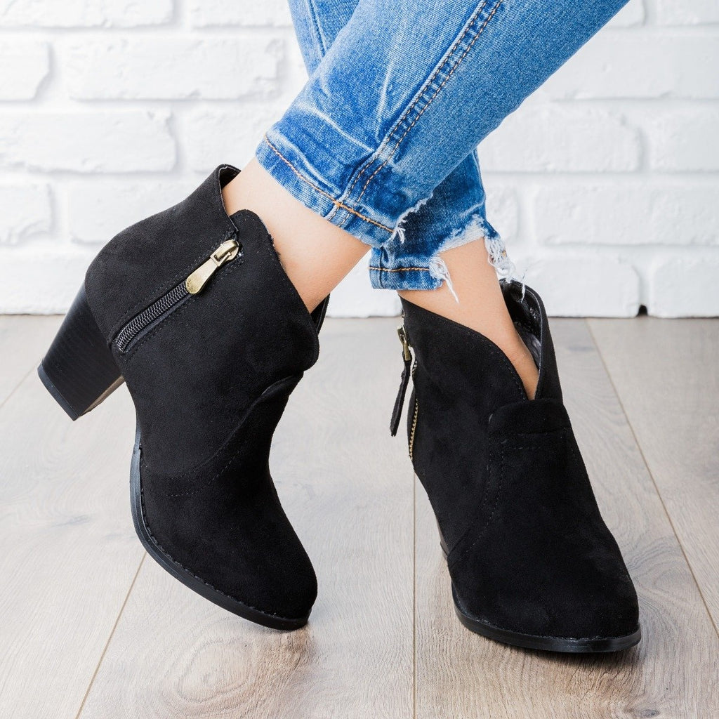 Womens V Cut Ankle Boot - Lovmark