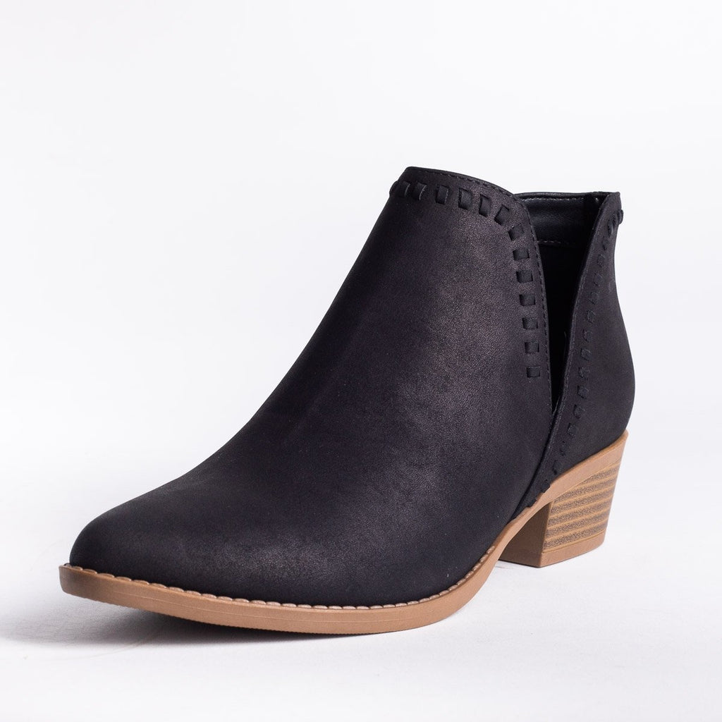 Womens V-Cut Stitched Ankle Booties - Soda Shoes - Black / 5