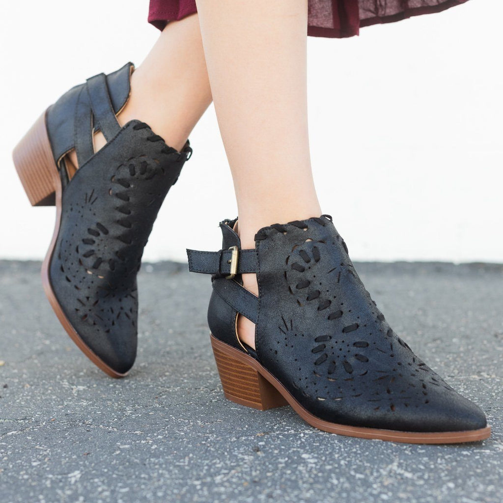 Womens Western Chic Ankle Booties - Qupid Shoes - Black / 5