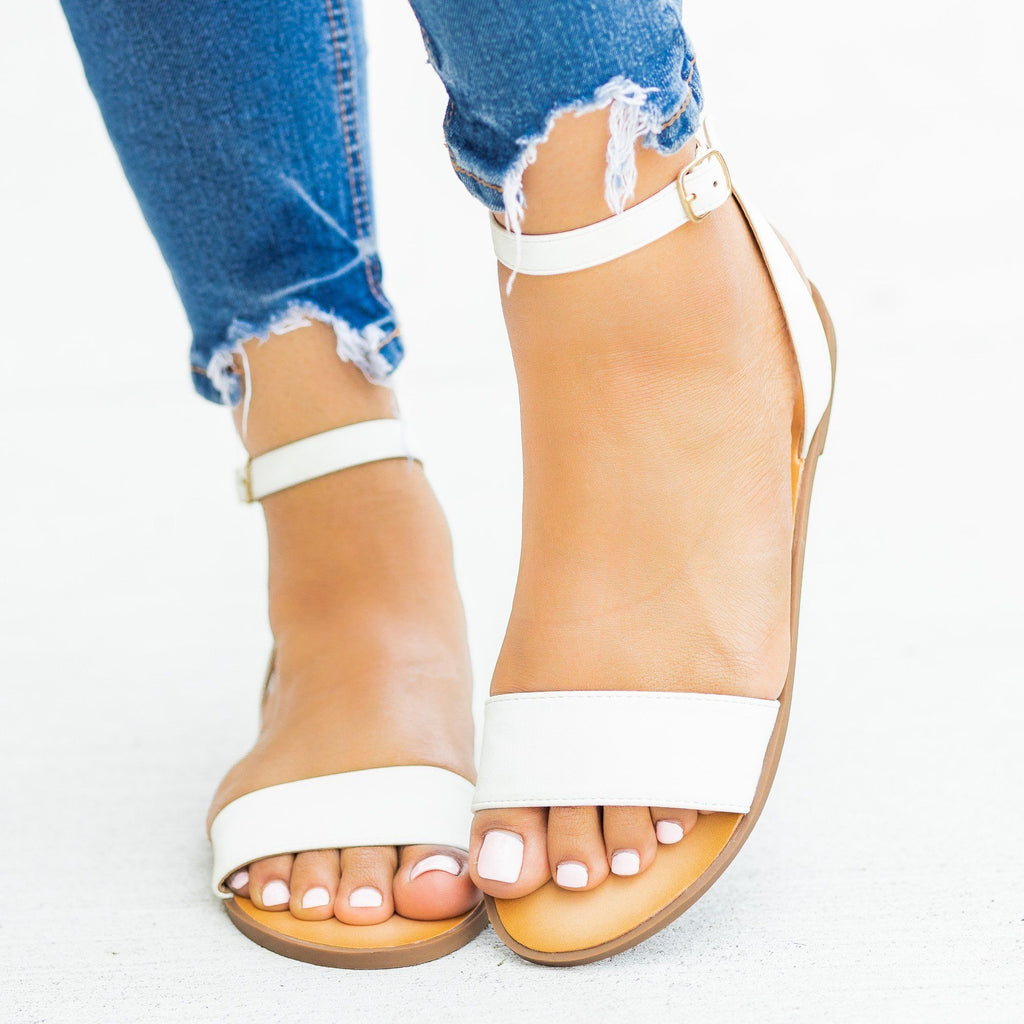 Womens Wraparound Ankle Strap Sandals - Soda Shoes - Off White / 5