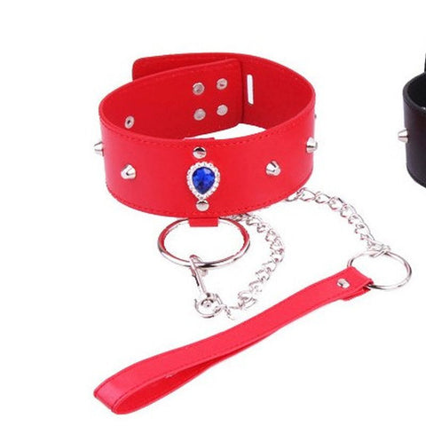 Heart Neck Collar & Lead in Crimson
