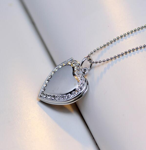 Romantic Photo Frame Heart Pendant Floating Locket Necklace Lovers
