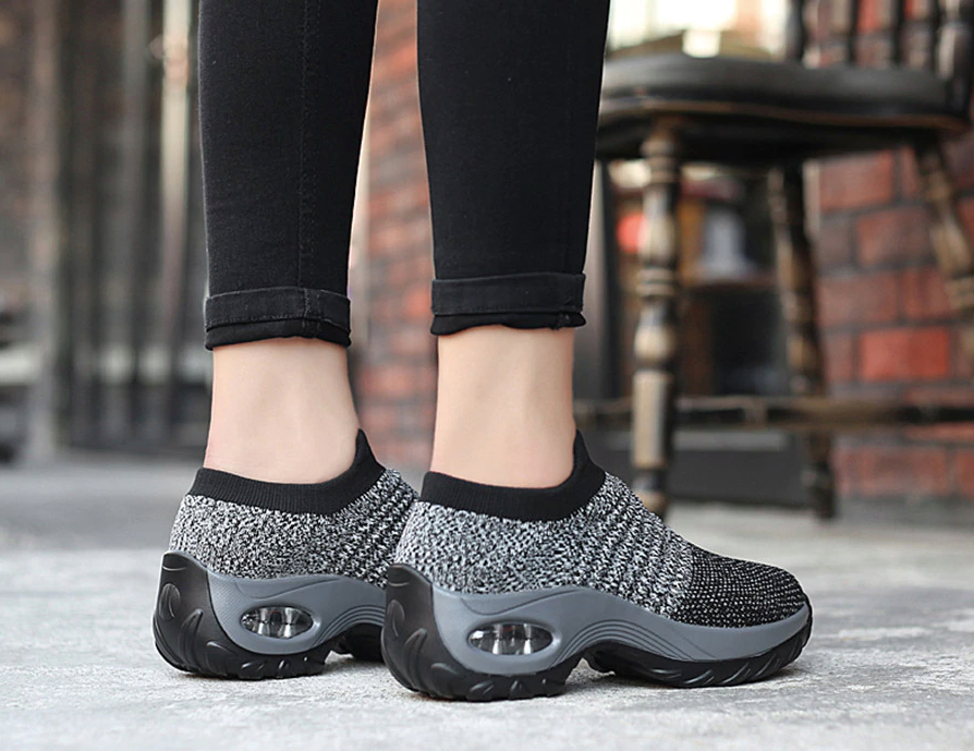 Hyena Sneakers Shoe Color Black/Grey Ultra Seller Shoes Cheap Sneakers