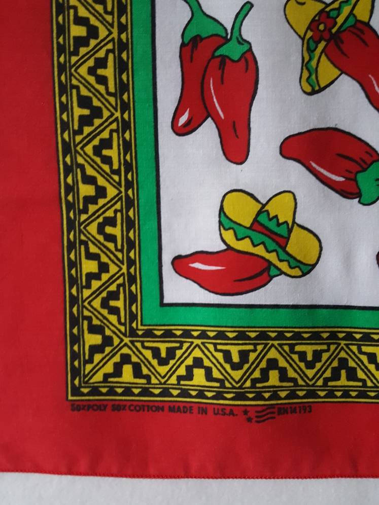 Vtg Southwestern Print Chili  Peppers bandana 19 x 20 made in usa red white