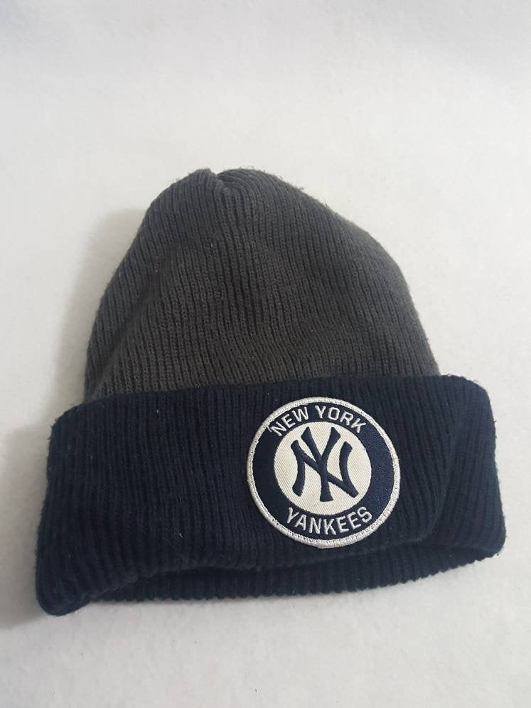 Vtg NY Yankees  Beanie hat Winter cap  90s hip hop skullie