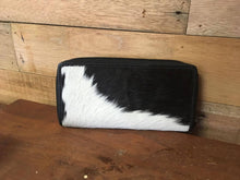 Zippered Wallet – Montreal