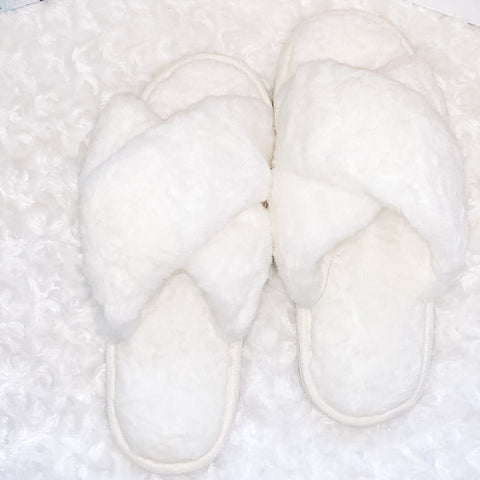 Criss cross snow white plush slippers